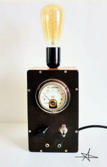 """Lampe industrielle, lampe vintage - """"La Révoltée"""""""