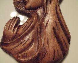 figurine vierge sculptée en bois