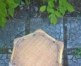 superbe table d'appoint en bambou et rotin