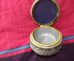 boite à bijoux effet argent nœud motif fleur fantaisie