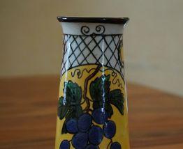 vase en faïence Art déco décor feuille de vigne et raisin
