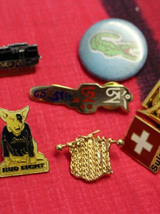 lot pin's badges vintage retro