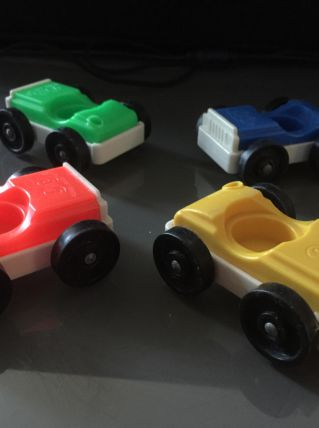 lot de 4 petites voitures fisher price