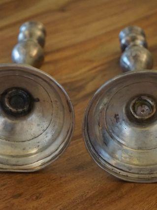 bougeoirs en métal argenté