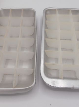 Lot de 2 bacs à glace