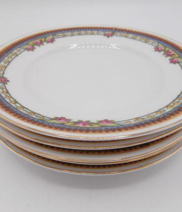 5 petites assiettes en porcelaine