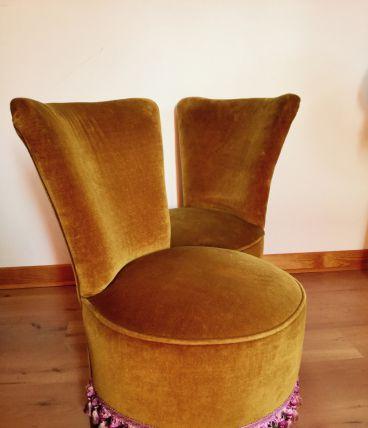 Une paire de fauteuils vintage des années 60