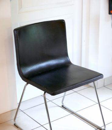 Chaise design en cuir (noir)