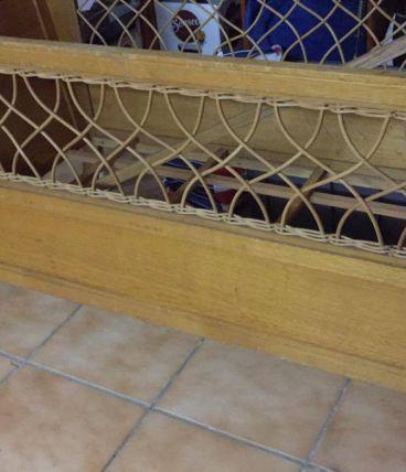 lit en bois et rotin bébé
