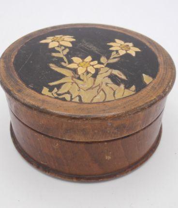 Petite boîte en bois