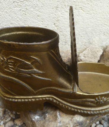 chaussure cendrier en laiton, vintage