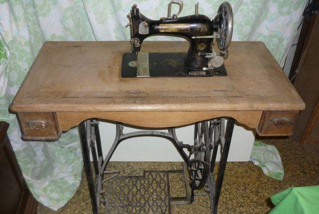 Machine à coudre Cleveland (déco ou pièces)